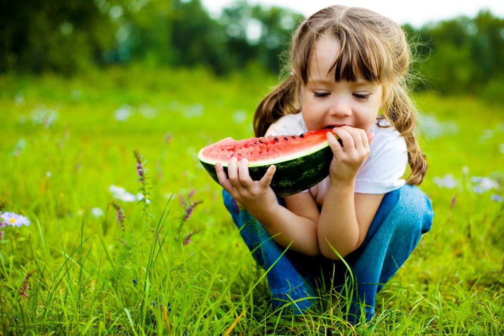 Como ajudar seu filho a comer melhor 2