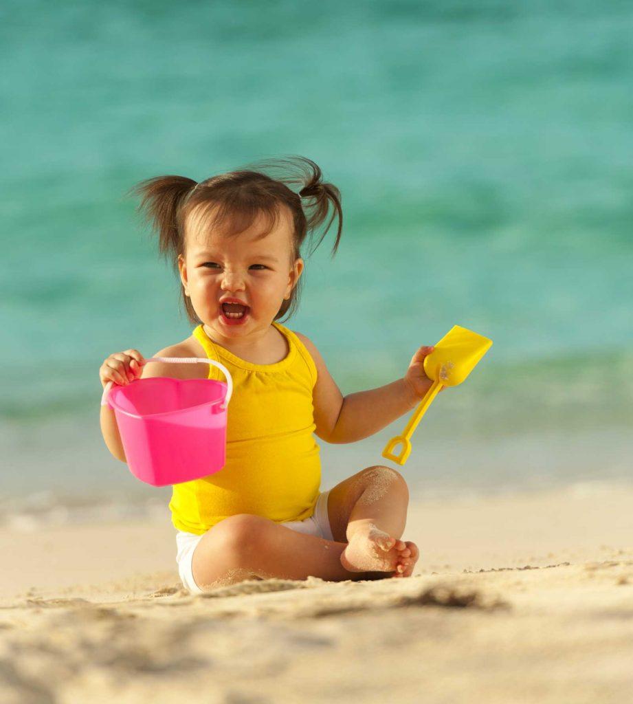 Segurança de bebês e crianças na praia