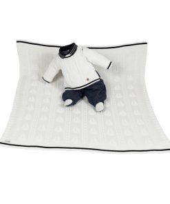 Kit maternidade tricot manta e macacão menino off white