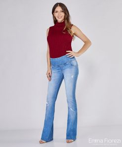calça jeans gestante flare com puídos