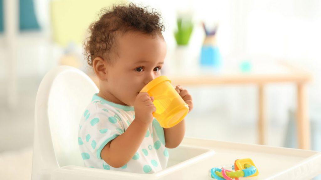 Quando posso dar água para o bebê