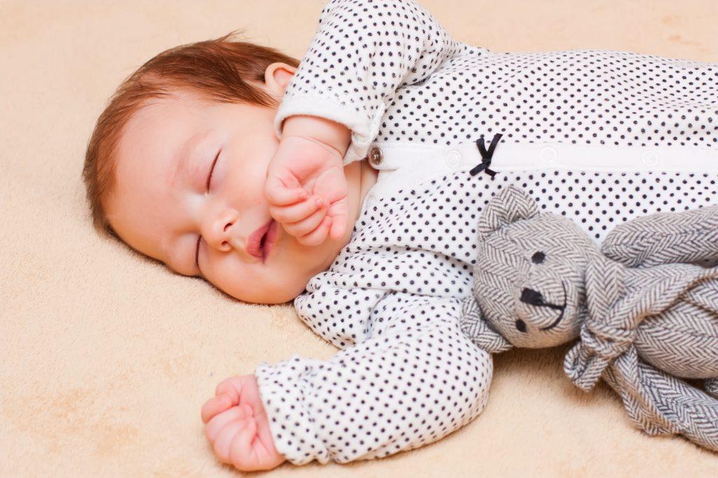 10 dicas para fazer seu filho dormir melhor